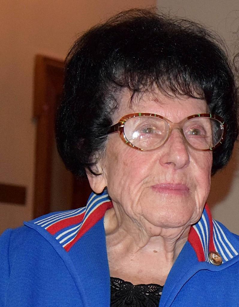 Ваня Николова1